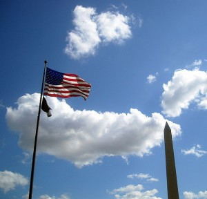 623px-american_flag_and_washington_monument